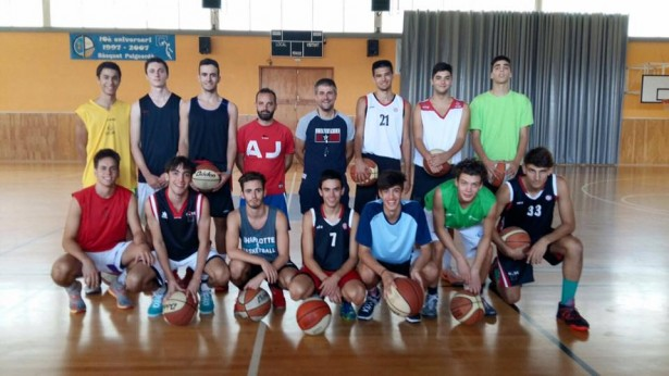 Júnior 1 foto plantilla 2015-2016 provisional