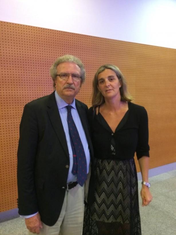 Mònica Mateu al costat del president de la FCBQ, Joan Fa