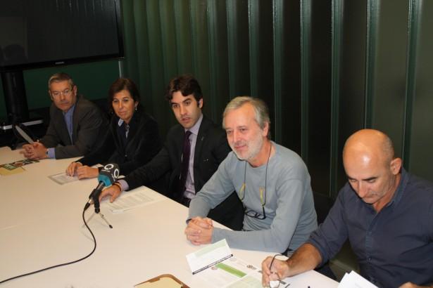 El president d'ASDI, Enric Tomàs, segon per la dreta durant la presentació II FOTO: Ajuntament de Sant Cugat