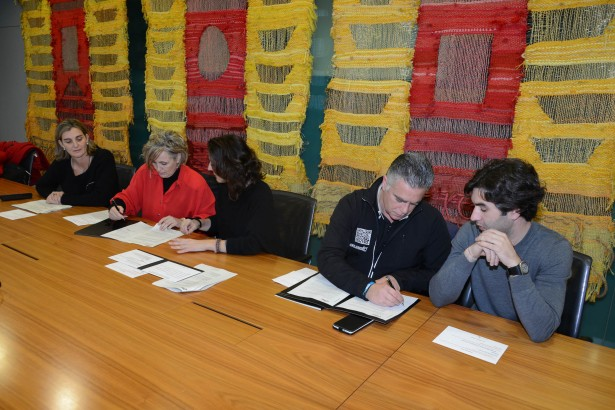 Signatura conveni UESC-Silincode-Ajuntament gener 2015 2