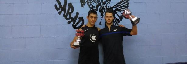 Adrià López (dreta) tornarà a coincidir amb Barreneche, ara com a vermell-i-negre