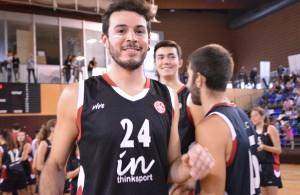 Patrick Reyes defensor del jugador de la UESC temporada 2015-2016