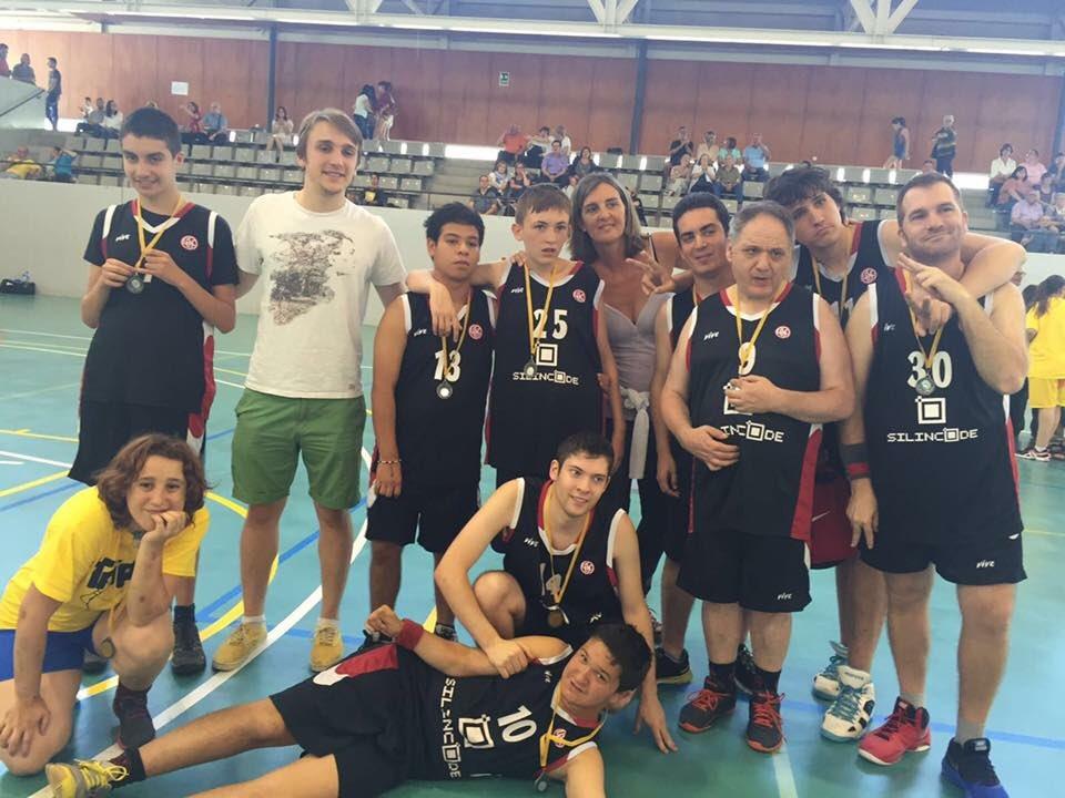 David Pascual completa tres temporades entrenant a l'equip UESC-ASDI Silincode